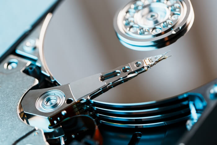 HOW DO EXPERTS RECOVER HARD DRIVE DATA?
